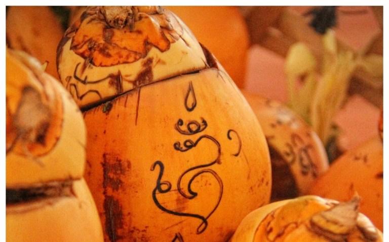 Makna Bungkak Nyuh Gading Menurut Hindu