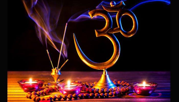 Kesakralan Gayatri Mantra Menurut Hindu