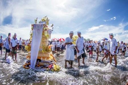 Makna Dan Rangkaian Upacara Mamukur Menurut Hindu Bali