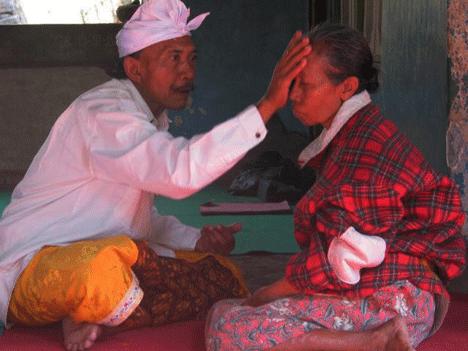 Tradisi Meluasang Di Bali