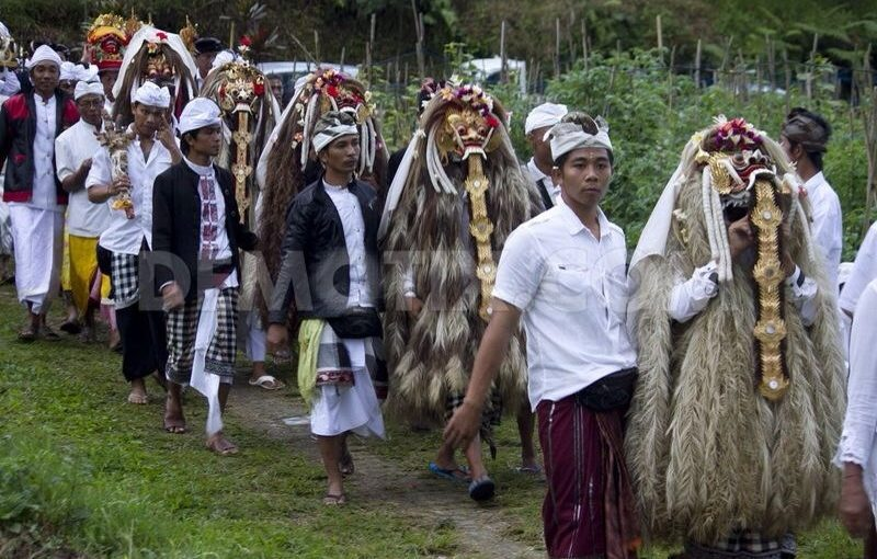 Sejarah Pura Luhur Pucak Bukit Rangda