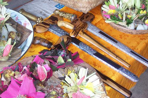 Banten Pasupati dan Mantra Pasupati di Tumpek Landep