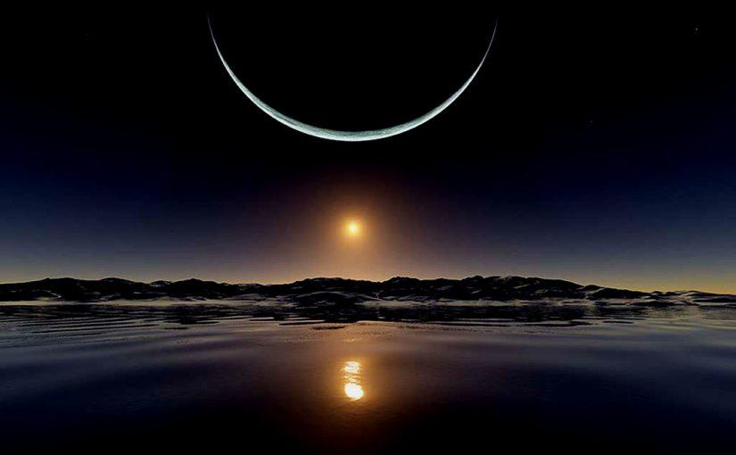 Menjadi Bulan Sabit di Tengah Kegelapan