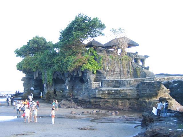 Sejarah Asal Mula Pura Tanah Lot - Bali