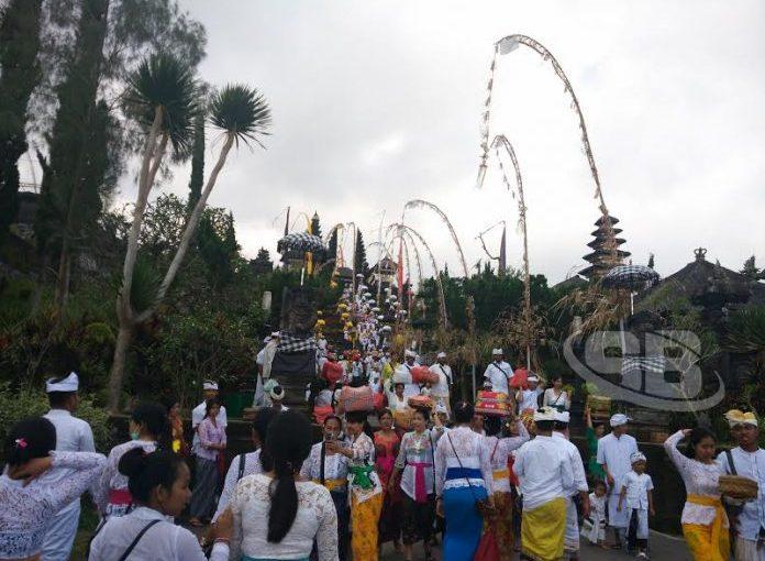 Mengenal Pura Besakih Sebagai Hulunya Bali