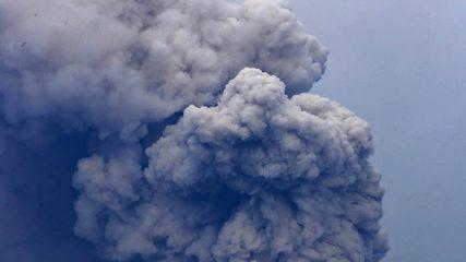 Terkini, Aktivitas Vulkanik Gunung Agung Meninggi, Masyarakat di Radius Ini Diminta Segera Mengungsi