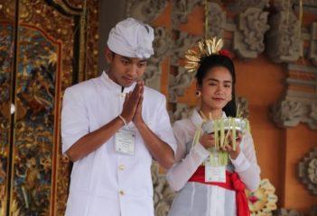 Pakaian Adat Ungkap Simbolik Dharma, Ini Penjelasannya