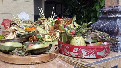 Banten Tumpek Landep Dalam Tradsi Hindu Bali